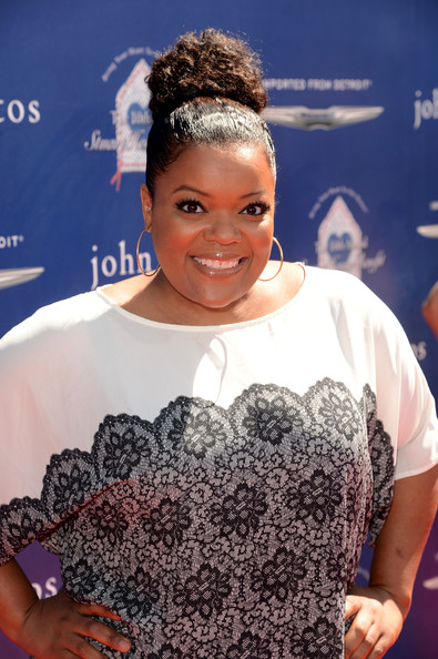More Pics of Yvette Nicole Brown Pencil Skirt (1 of 2) - Yvette Nicole Brown Lookbook - StyleBistro