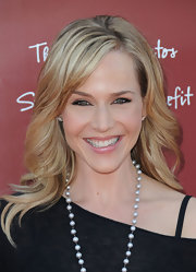 Julie Benz rocked a perfectly layered cut to the 8th Annual Stuart House Benefit.