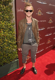 Tom Felton topped off his red carpet look with black leather oxfords.