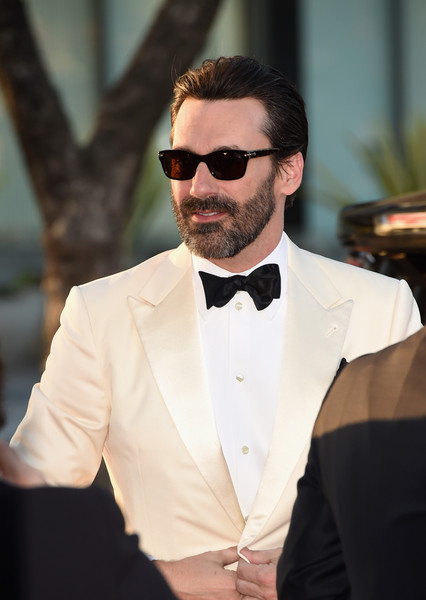Jon Hamm Wayfarer Sunglasses [episodes,mad men,episodes,eyewear,hair,suit,white,facial hair,sunglasses,beard,formal wear,tie,fashion,arrivals,jon hamm,dorothy chandler pavilion,amc celebrates the final,the black red ball,amc,celebration]