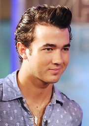 Kevin rocked a retro James Dean-like hairstyle while filming at FOX studios in NYC.