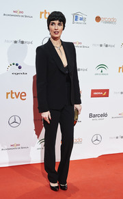 Paz Vega went masculine-chic in a black suit at the Jose Maria Forque Awards.