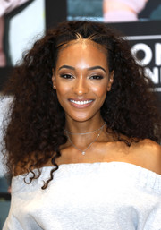 Jourdan Dunn looked fabulous with her voluminous, partially braided curls at the launch of Londunn + Missguided.