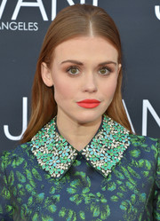 Holland Roden looked totally dazzling with that almost-neon lipstick!