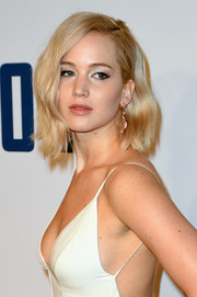 Jennifer Lawrence made her eyes stand out with a swipe of metallic silver shadow.