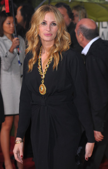 Julia Roberts Gold Charm Necklace