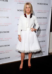 We loved Julianne's combo of a crisp cropped blazer and full feminine skirt!
