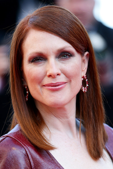 Julianne Moore Medium Straight Cut