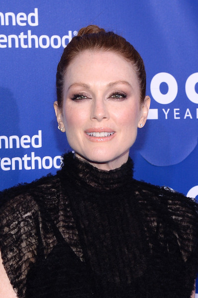 Julianne Moore Twisted Bun [hair,face,eyebrow,hairstyle,skin,chin,lip,forehead,smile,premiere,julianne moore,planned parenthood 100th anniversary gala,pier 36,new york city,planned parenthood,gala]