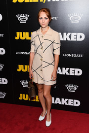 AnnaSophia Robb attended the premiere of 'Juliet, Naked' looking retro-chic in a short knit shirtdress.