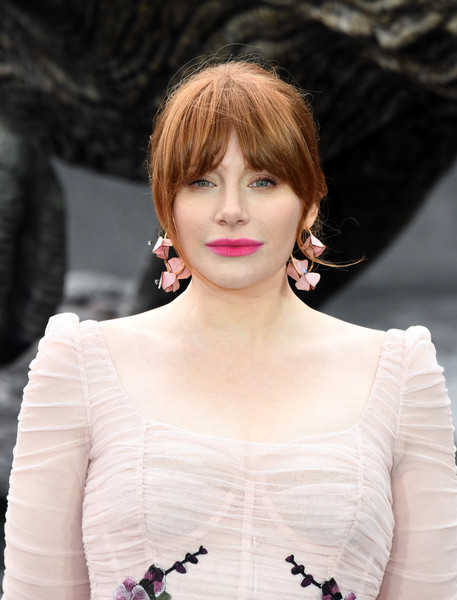 Bryce Dallas Howard styled her hair into a loose bun with eye-skimming bangs for the 'Jurassic World: Fallen Kingdom' photocall.