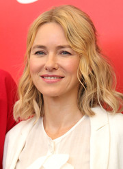 Naomi Watts went boho with this half-up wavy 'do at the 2018 Venice Film Festival jury photocall.