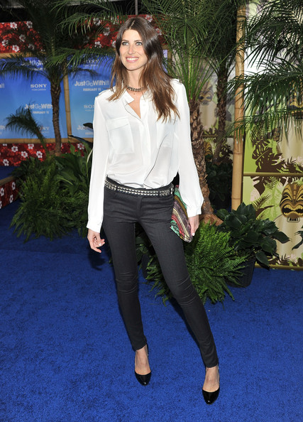 Michelle looked model chic in a loose white button-down and skinny jeans for the 'Just Go With it' premiere.