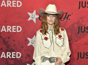 Kaitlyn Dever topped off her look with a beige cowboy hat.