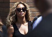 Beyonce went for a natural effortless wave at a Trayvon Martin memorial in NYC.