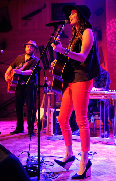 Kacey Musgraves Wedges [performance,entertainment,musician,performing arts,music,music artist,event,concert,public event,performance art,kacey musgraves,misael arriaga,gilley,saloon,bar-b-que,dance hall,gilleys saloon,treasure island hotel casino,same trailer different park,l]