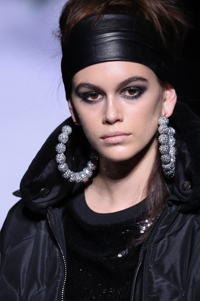 Kaia Gerber Costume Hoops [hair,face,eyebrow,hairstyle,fashion model,beauty,lip,black hair,fashion,skin,tom ford womenswear fw18 collection at park avenue armory,kaia gerber,tom ford womens - runway,runway,new york city,new york fashion week]