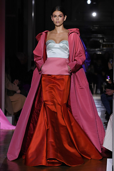 Kaia Gerber Evening Coat [fashion model,fashion,fashion show,haute couture,clothing,fashion design,dress,runway,event,model,kaia gerber,part,runway,summer 2020,paris,valentino haute couture spring,haute couture spring,valentino : runway - paris fashion week,show,paris fashion week,kaia jordan gerber,paris fashion week,haute couture,fashion week,fashion,valentino,runway,paris fashion week haute couture,spring]