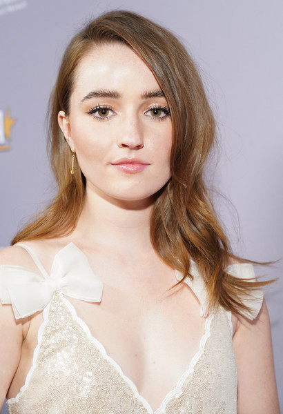Kaitlyn Dever Gold Dangle Earrings [hair,face,hairstyle,lip,eyebrow,beauty,blond,skin,chin,long hair,kaitlyn dever,hollywood critics awards,taglyan complex,los angeles,california,annual hollywood critics awards,kaitlyn dever,hollywood,model,fashion,booksmart,celebrity,hollywood critics association,photograph,just jared]