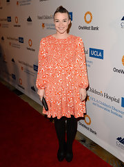Renee Felice Smith chose a printed flowing frock for a retro, '70s-inspired look.