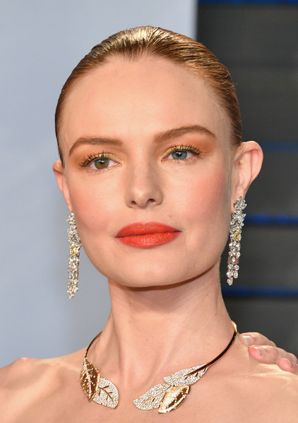 Kate Bosworth Classic Bun [eyebrow,jewellery,beauty,skin,fashion model,chin,cheek,hairstyle,lip,forehead,kate bosworth,radhika jones - arrivals,oscar,eyebrow,jewellery,wallis annenberg center for the performing arts,summer,oscar party,vanity fair,party,kate bosworth,oscar party,academy awards,vanity fair,celebrity,90th academy awards,fashion,2018,wallis annenberg center for the performing arts,after the summer]