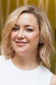 Kate Hudson looked so pretty wearing this wavy lob during her book signing.