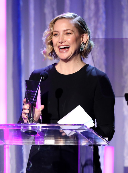 Kate Hudson Dangling Gemstone Earrings [performance,music artist,event,singer,singing,performing arts,fun,musician,talent show,speech,kate hudson,courage award,beverly hills,california,beverly wilshire four seasons hotel,wcrf,an unforgettable evening]