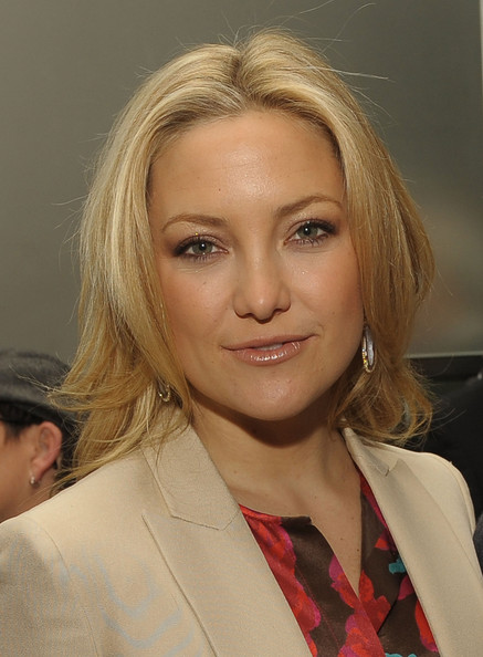 Kate Hudson Long Center Part [hair,face,blond,eyebrow,hairstyle,lip,chin,beauty,forehead,layered hair,kate hudson,luncheon,per se,new york new york,the weinstein company,nine luncheon]