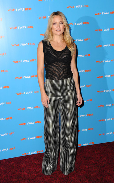Kate Hudson Print Pants [wish i was here,clothing,carpet,red carpet,dress,long hair,premiere,flooring,electric blue,style,kate hudson,screening,england,london,empire leicester square,screening]