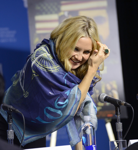 Kate Hudson Patterned Scarf [the reluctant fundamentalist,performance,blond,singer,music artist,singing,event,long hair,performing arts,electric blue,kate hudson,tiff bell lightbox,toronto,canada,2012 toronto international film festival,press conference,the reluctant fundamentalist press conference]