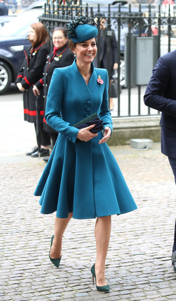 Kate Middleton Pumps [blue,street fashion,clothing,cobalt blue,fashion,turquoise,lady,electric blue,snapshot,footwear,duchess of cambridge,attends,harry,service,duchess,commemoration,cambridge,westminster abbey,anzac day,anzac day service,catherine duchess of cambridge,prince harry,westminster abbey,anzac day service,coatdress,april 25,anzac day,australian and new zealand army corps,fascinator,photography]