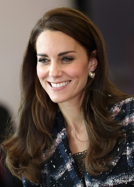 Kate Middleton Long Wavy Cut [hair,hairstyle,eyebrow,beauty,brown hair,long hair,chin,layered hair,smile,lip,catherine,duchess,manchester,the duke duchess of cambridge,cambridge,england,national graphene institute,university of manchester,visit,visit]