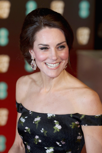 Kate Middleton Beehive [hair,hairstyle,beauty,lady,smile,shoulder,premiere,brown hair,long hair,black hair,red carpet arrivals,catherine,british academy film awards,duchess,ee,cambridge,england,london,royal albert hall,bafta]