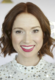 Ellie Kemper framed her face with a short wavy 'do for the Kate Spade Fall 2016 presentation.
