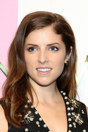 Anna Kendrick looked sweet wearing this wavy 'do at the Kate Spade New York presentation.