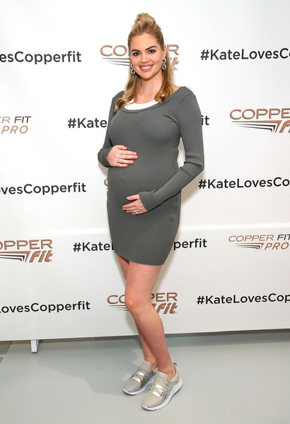 Kate Upton Maternity Dress [clothing,dress,shoulder,cocktail dress,fashion model,footwear,fashion,joint,shoe,leg,kate upton,copper fit,nyc,the empire state building,kate upton launch event]