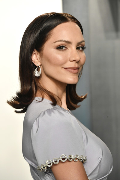 Katharine McPhee Flip [hair,face,white,shoulder,hairstyle,beauty,eyebrow,skin,chin,lip,radhika jones - arrivals,radhika jones,katharine mcphee,beverly hills,california,wallis annenberg center for the performing arts,oscar party,vanity fair,katharine mcphee,american idol,los angeles,oscar party,vanity fair,celebrity,wallis annenberg center for the performing arts,i fall in love too easily,pop music,actor]