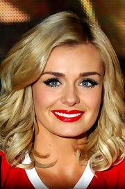 Katherine Jenkins wore lengthy lashes while signing copies of her new album in London. She also emphasized her baby blues with lots of liner and mascara.