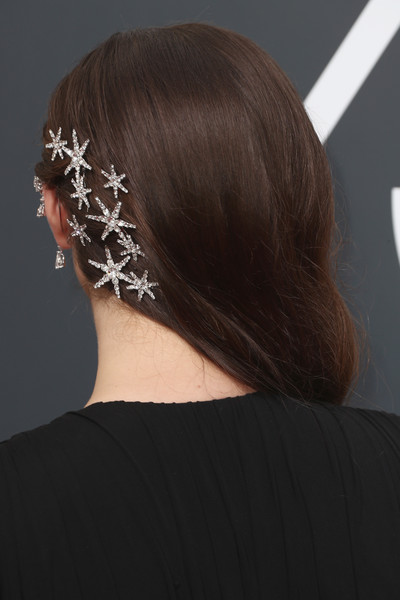 Katherine Langford Hair Pin [hair,hairstyle,headpiece,ear,hair accessory,chin,fashion accessory,neck,headgear,brown hair,arrivals,katherine langford,beverly hills,california,the beverly hilton hotel,golden globe awards,annual golden globe awards]