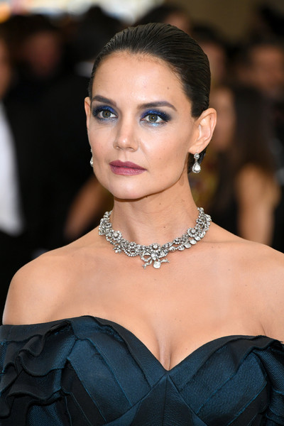 Katie Holmes Dangling Diamond Earrings [rei kawakubo/comme des garcons: art of the in-between,rei kawakubo/comme des garcons: art of the in-between,hair,fashion model,eyebrow,hairstyle,beauty,lip,skin,fashion,shoulder,chin,costume institute gala - arrivals,katie holmes,new york city,metropolitan museum of art,costume institute gala]