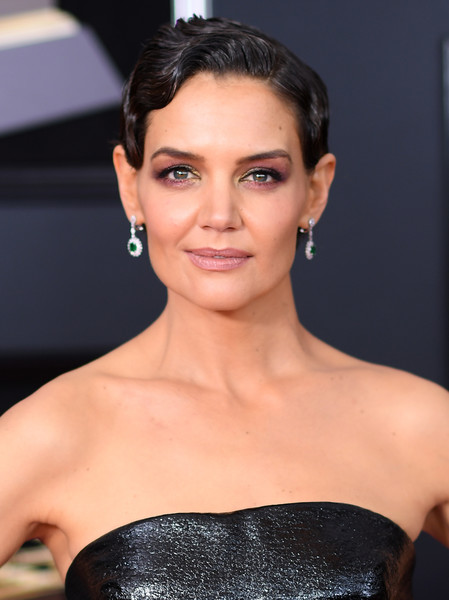 Katie Holmes Finger Wave [red carpet,stock photography,hair,face,eyebrow,hairstyle,lip,beauty,skin,chin,forehead,black hair,katie holmes,hairstyle,hair,face,eyebrow,lip,grammy awards,annual grammy awards,katie holmes,60th annual grammy awards,celebrity,hairstyle,actor,getty images,stock photography,ponytail]