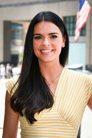 Katie Lee looked simply lovely with her side sweep while visiting 'Extra.'