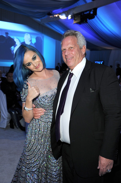 Katy Perry Diamond Bracelet [event,fashion,formal wear,suit,katy perry,steve tisch,elton john aids foundation academy awards viewing party,l-r,west hollywood park,california,beverly hills,the city,giants]