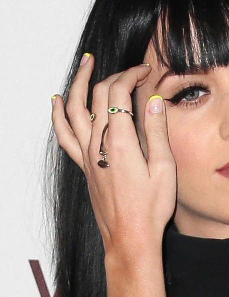 Katy Perry Gold Ring [hair,face,nail,finger,eyebrow,lip,skin,hand,beauty,hairstyle,celebrates 35th anniversary gala,katy perry,louis vuitton,arrivals,jewelry detail,moca,los angeles,california,museum of contemporary art los angeles,the geffen contemporary]