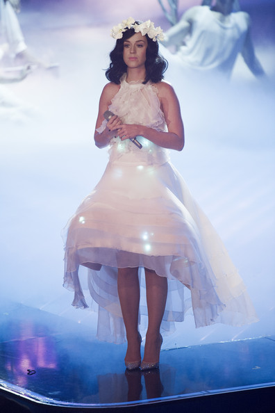 Katy Perry Halter Dress [the voice of germany,white,clothing,dress,fashion,gown,beauty,wedding dress,haute couture,shoulder,performance,katy perry,germany,berlin,show]