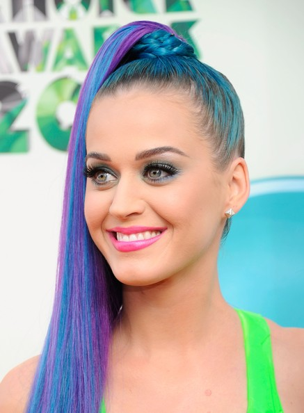 Katy Perry Gold Studs [red carpet,hair,face,hairstyle,eyebrow,purple,turquoise,hair coloring,beauty,forehead,lip,katy perry,kids choice awards,california,los angeles,galen center,nickelodeon]