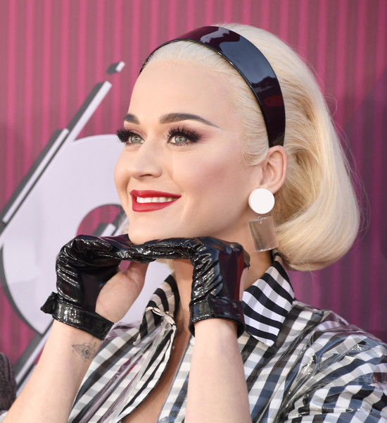 Katy Perry Leather Gloves [hair,eyebrow,beauty,hairstyle,lip,lady,pink,singer,eyelash,microphone,arrivals,katy perry,iheartradio music awards,california,los angeles,microsoft theater,fox]