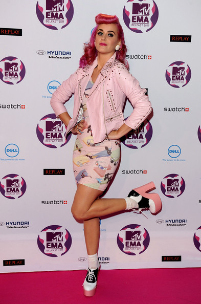 Katy Perry Platform Pumps [pink,footwear,fashion model,flooring,fashion,shoe,magenta,carpet,product,thigh,mtv europe music awards,odyssey arena,belfast,northern ireland,katy perry,arrivals]