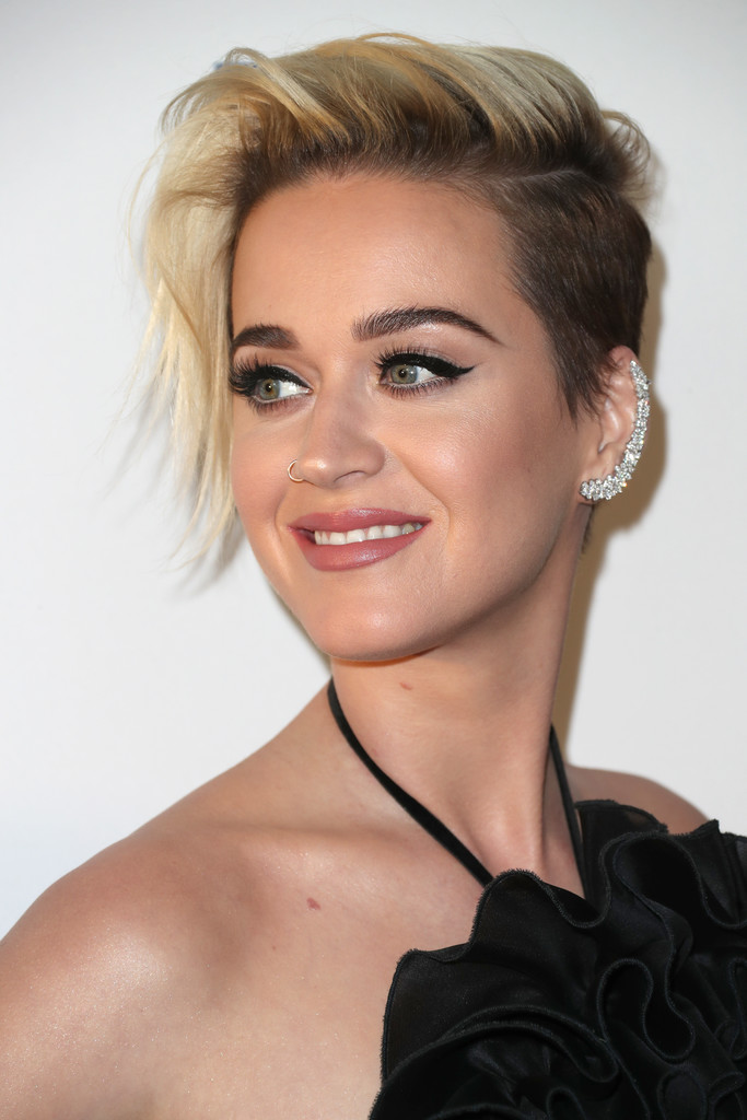 Katy Perry Short Side Part Short Hairstyles Lookbook StyleBistro