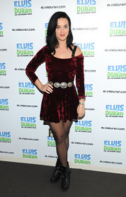 Katy Perry went '90s chic with this red velvet off-the-shoulder dress.